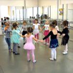 Урок хореографии на отделении раннего эстетического развития